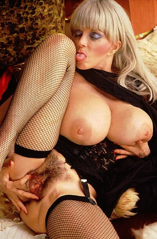 feee naked girl pics