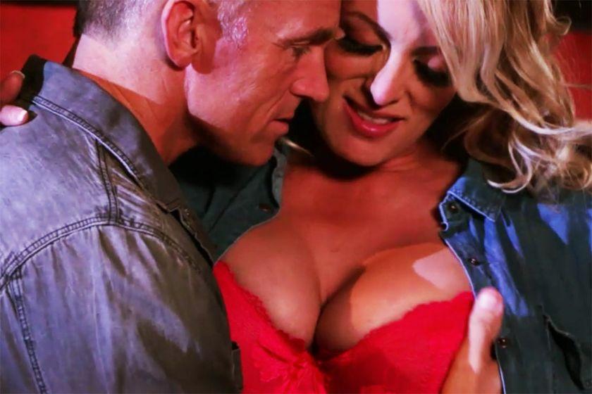 big boobs selena gomez
